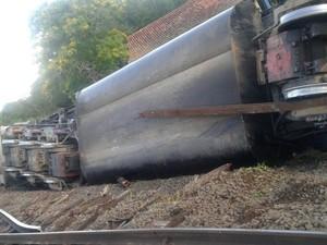 Trem viajava até Mairinque quando descarrilou (Foto: Arquivo Pessoal)
