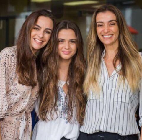 As irmãs Susana e Mônica Martelli com Luisa, filha de Susana e Herson Capri. (Foto: Arquivo pessoal)