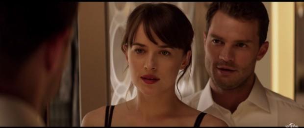 Christian Grey (Jamie Dornan) e Ana Steele (Dakota Johnson) em Cinquenta Tons Mais Escuros (Foto: Reprodução / Youtube)