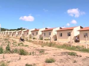 Cadastro das casas da reconstrução em rio Largo estão na mira do Ministério Público (Foto: Reprodução/TV Gazeta)