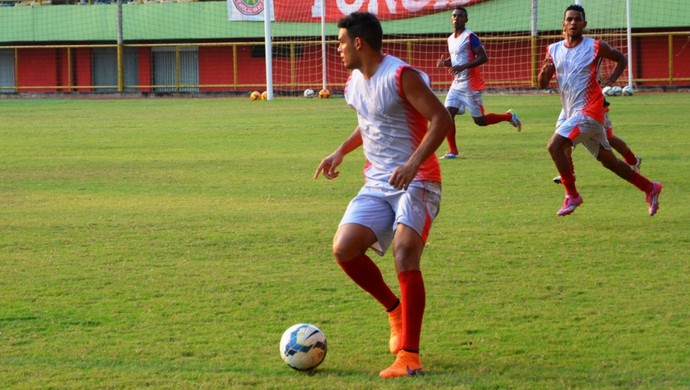 Felipe Recife, volante Rio Branco,  (Foto: Duaine Rodrigues)