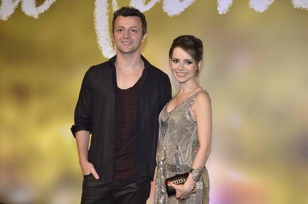 Sandy e o marido, Lucas, na festa de lançamento da novela Em Família (Foto: Roberto Teixeira / EGO)