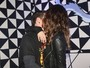 Isabelli Fontana e Di Ferrero trocam beijos no Lollapalooza
