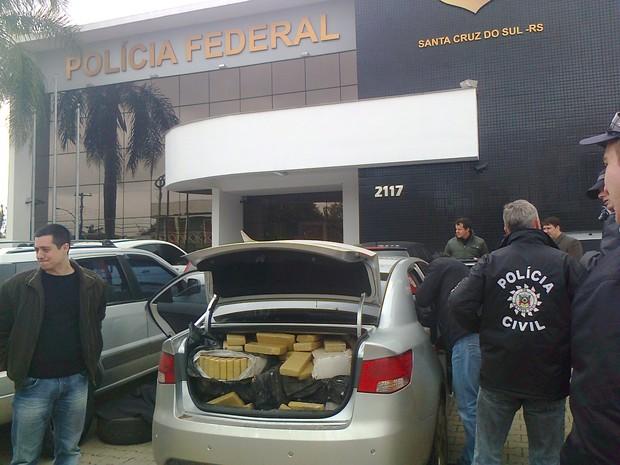 Operação policial apreendeu mais de 700 quilos de maconha em Santa Cruz do Sul (Foto: RAFAEL RISTOW/RBS TV)