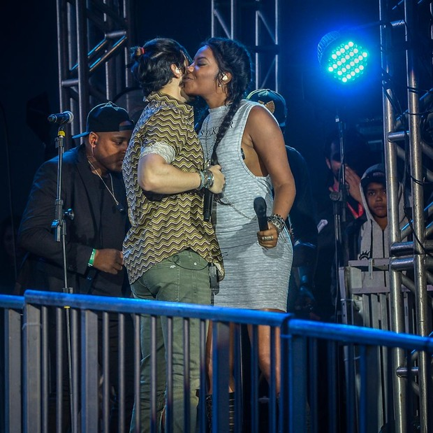 Luan Santana canta com Ludmilla (Foto: Francisco Cepeda/AgNews)
