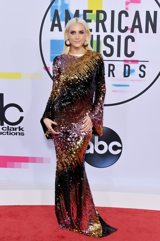 LOS ANGELES, CA - NOVEMBER 19:  Ashlee Simpson attends the 2017 American Music Awards at Microsoft Theater on November 19, 2017 in Los Angeles, California.  (Photo by Neilson Barnard/Getty Images) (Foto: Getty Images)