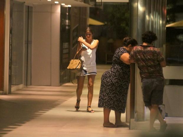 Bruna Marquezine em shopping na Zona Sul do Rio (Foto: Ag. News)