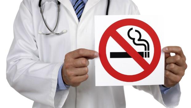 SUS oferece tratamento gratuito e especializado contra o tabagismo (Thinkstock/Getty Images)