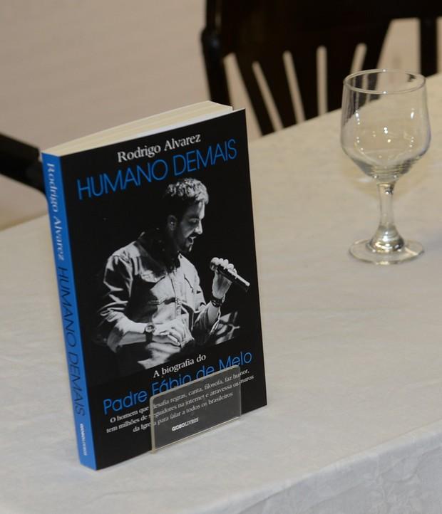Livro de Padre Fábio de Melo (Foto: Francisco Cepeda/AgNews)