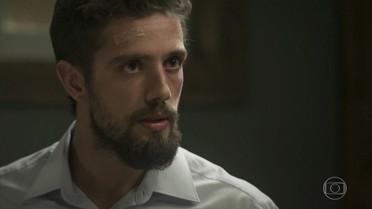César pressiona João Amaro para saber segredo da avó