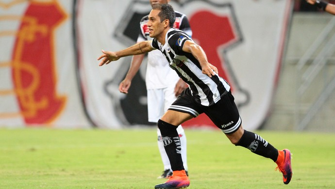 Central x Santa Cruz Campeonato Pernambucano (Foto: Marlon Costa / Pernambuco Press)