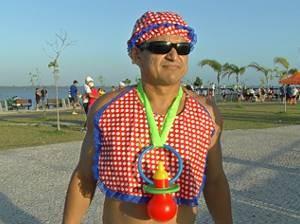 """O """"bebê"""" da corrida homenageou as crianças brasileiras. (Foto: Reprodução/TV Liberal)"""