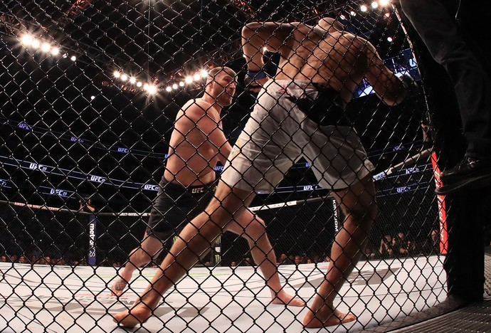 Stipe Miocic x Junior Cigano no UFC 211 (Foto: Getty Images)