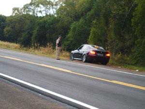 PRF multou motorista que trafegava em alta velocidade (Foto: Divulgação/PRF)