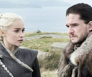 Emilia Clarke (Daenerys Targaryen) e Kit Harington (Jon Snow) em cena de 'Game of Thrones' | Divulgação
