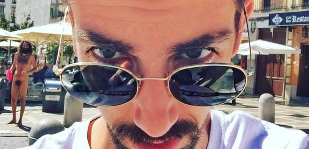 Isaac Cuenca em selfie  (Foto: reprodução/twitter)