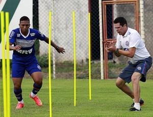 Danilo Pires; Bahia (Foto: Felipe Oliveira/EC Bahia/Divulgação)