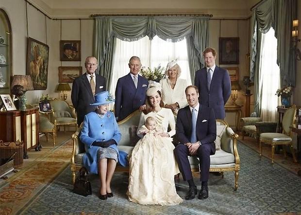 """Kate Middleton sobre batizado do príncipe George: """"Fomos sortudos"""""""