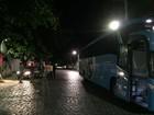Grupo armado assalta ônibus interestadual na BR-104 em Alagoas