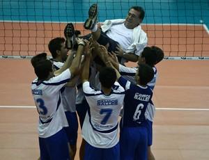 Colégio Campos Salles comemora o título no vôlei masculino das Olimpíadas Escolares em Cuiabá (Foto: Heuler Andrey/AGIF/COB)
