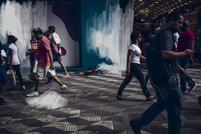 O espaço mais íntimo da população de rua é justamente o espaço público (Foto: Júlia Rodrigues)