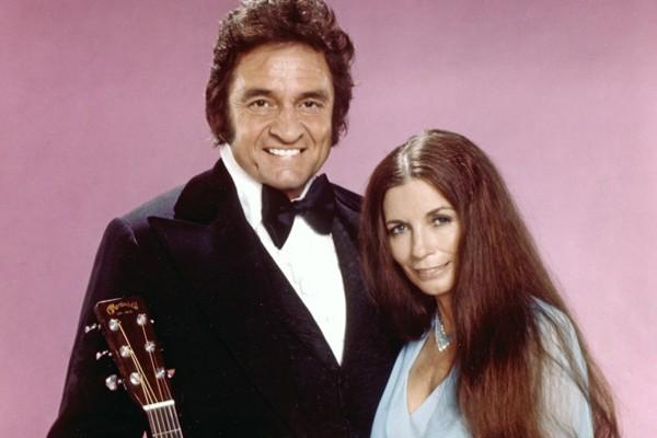 Os cantores Johnny Cash e June Carter (Foto: Divulgação)