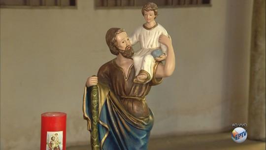 Dia de São Cristóvão é celebrado com missas e bolo em São Carlos