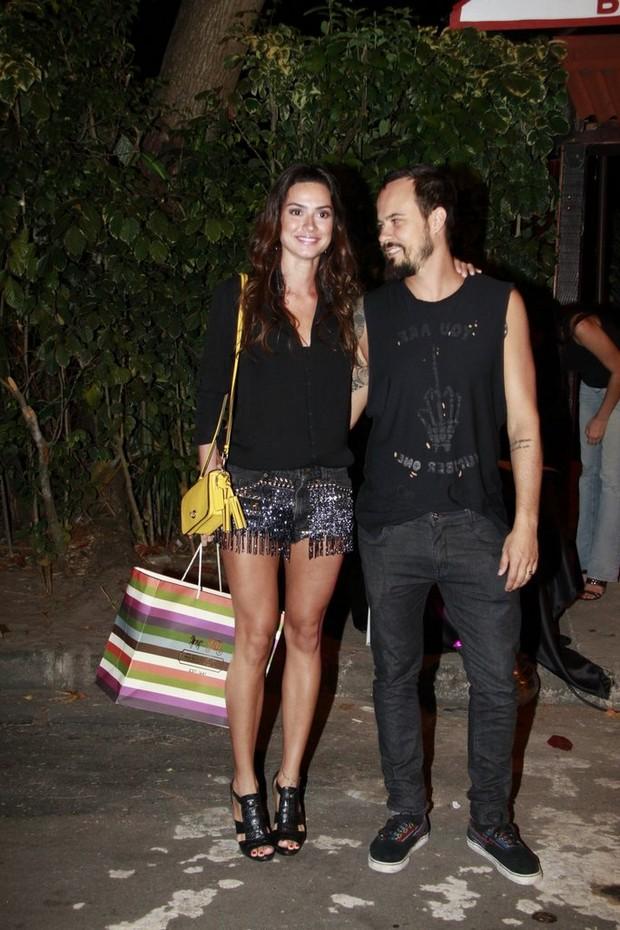Thaila Ayala com Paulinho Vilhena (Foto: Isac Luz)