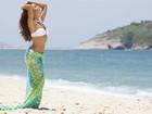 Paloma Bernardi dá show de beleza e sensualidade em gravação na praia
