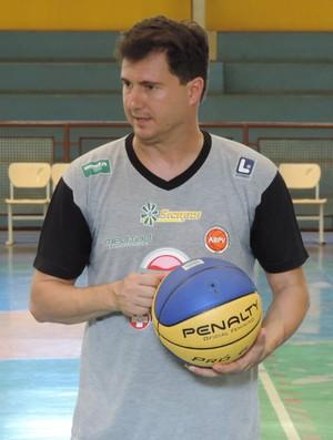 Flávio Prado técnico do Presidente Venceslau (Foto: Ronaldo Nascimento / GloboEsporte.com)