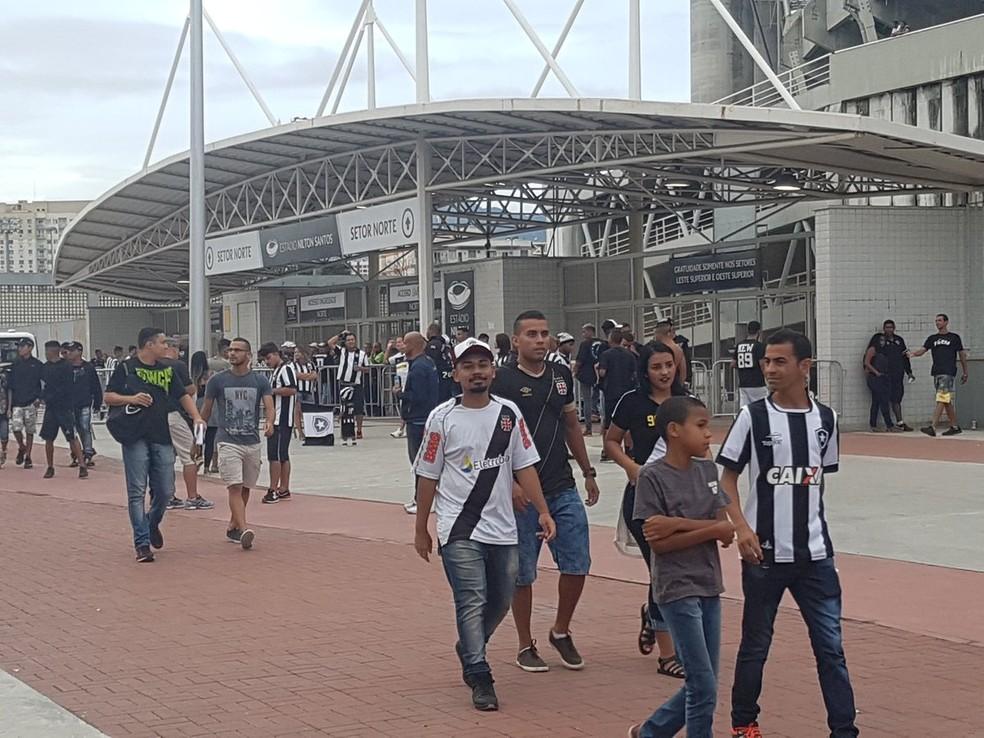 Após acordo, Vasco x Botafogo será no Nilton Santos, e não mais no Maracanã (Foto: Marcelo Baltar)