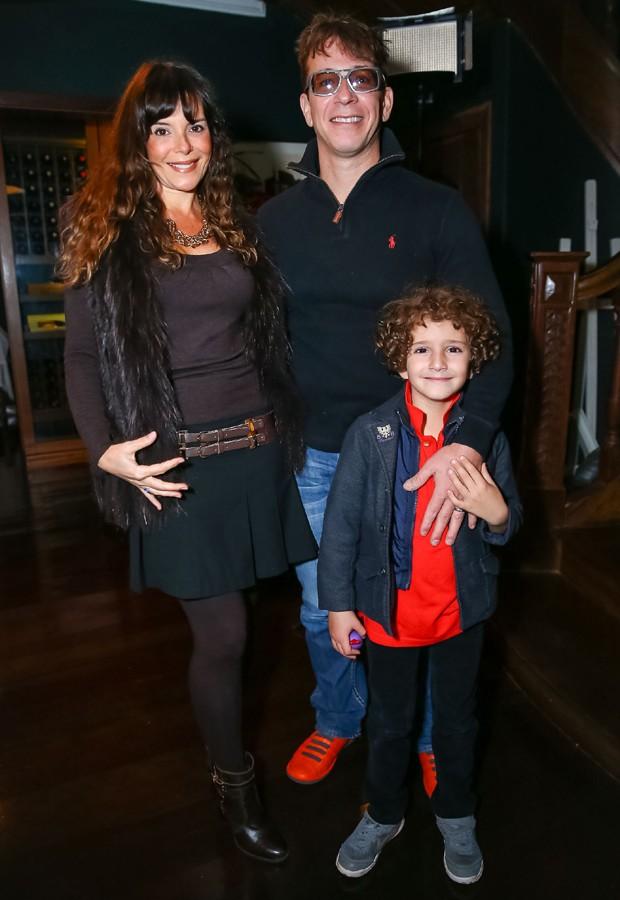 Mylla Christie em família (Foto: Raphael Castello/AgNews)