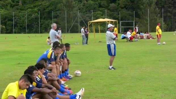 Jogadores do Rio Claro após jogo-treino (Foto: Assessoria RCFC)