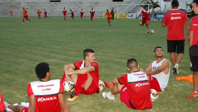 Treino do Campinense no Amigão (Foto: Silas Batista / GloboEsporte.com)