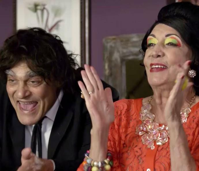 Juscelino e Luz Divina cantam parabéns para o amigo (Foto: TV Globo)