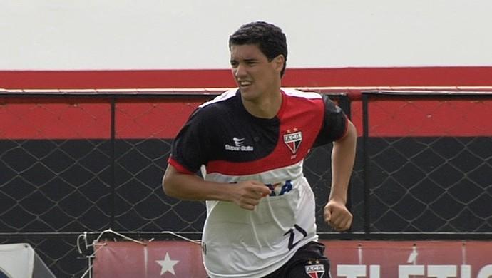 Luciano Sorriso, volante do Atlético-GO (Foto: Reprodução/TV Anhanguera)