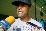Aos 38 anos e sem clube, Marcos Assunção estuda aposentadoria