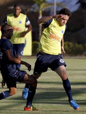 Thiago Carvalho, zagueiro do Cruzeiro (Foto: Washington Alves / Vipcomm)