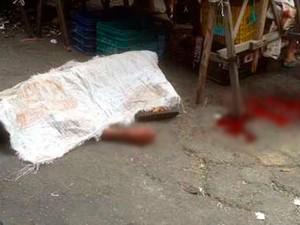 Segundo a própria polícia, açougueiro foi morto com um tiro na cabeça (Foto: Sidney Silva)