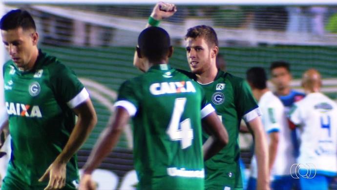 Aylon, atacante do Goiás (Foto: Reprodução/TV Anhanguera)