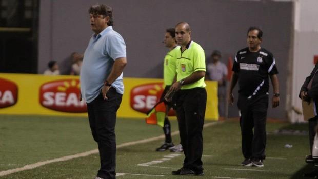 Marcelo Veiga fica insatisfeito com a atuação do Botafogo-SP (Foto: Rogério Moroti/Botafogo FC)
