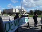 Governo atual perdeu legitimidade, diz Aécio Neves em Lisboa