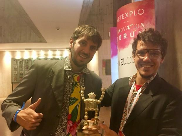 Mundano, idealizador do aplicativo, e o coordenador Breno Castro Alves (Foto: Veridiana Sedeh)