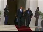 Barack Obama chega à África do Sul para visitar Nelson Mandela
