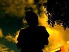 Assaltantes se passam por clientes para roubar taxista em Goiânia