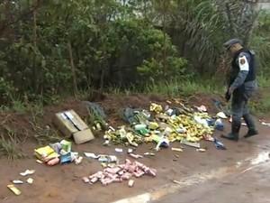Remédios foram encontrados pela polícia rodoviária estadual (Foto: Reprodução/TV Amapá)