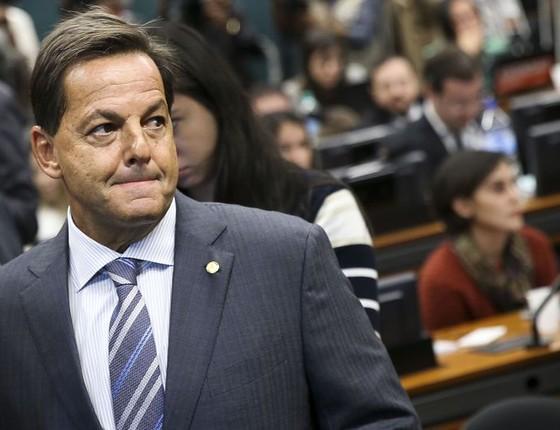 O deputado Sergio Zveiter chega à Comissão de Constituição e Justiça da Câmara para divulgar o seu parecer sobre a denúncia contra o presidente Michel Temer  (Foto: Marcelo Camargo/Agência Brasil)