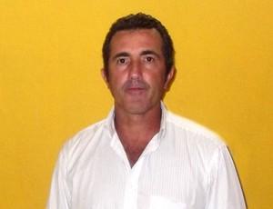 Paulo Moroni foi apresentado ao elenco antes do jogo contra o Sampaio (Foto: Bruno Alves)