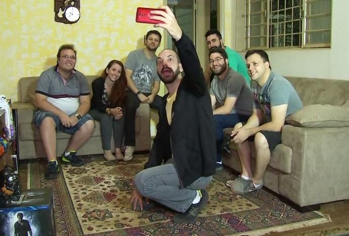 Fica tudo ainda mais divertido quando o grupo se reúne! (Foto: Reprodução / TV TEM)