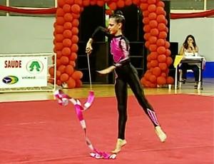 Larissa Barata, ex-ginasta - SporTV Repórter (Foto: Reprodução / SporTV)
